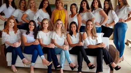 Candidatas a soberanas da 24ª Festa do Colono de Turvo participam do primeiro encontro