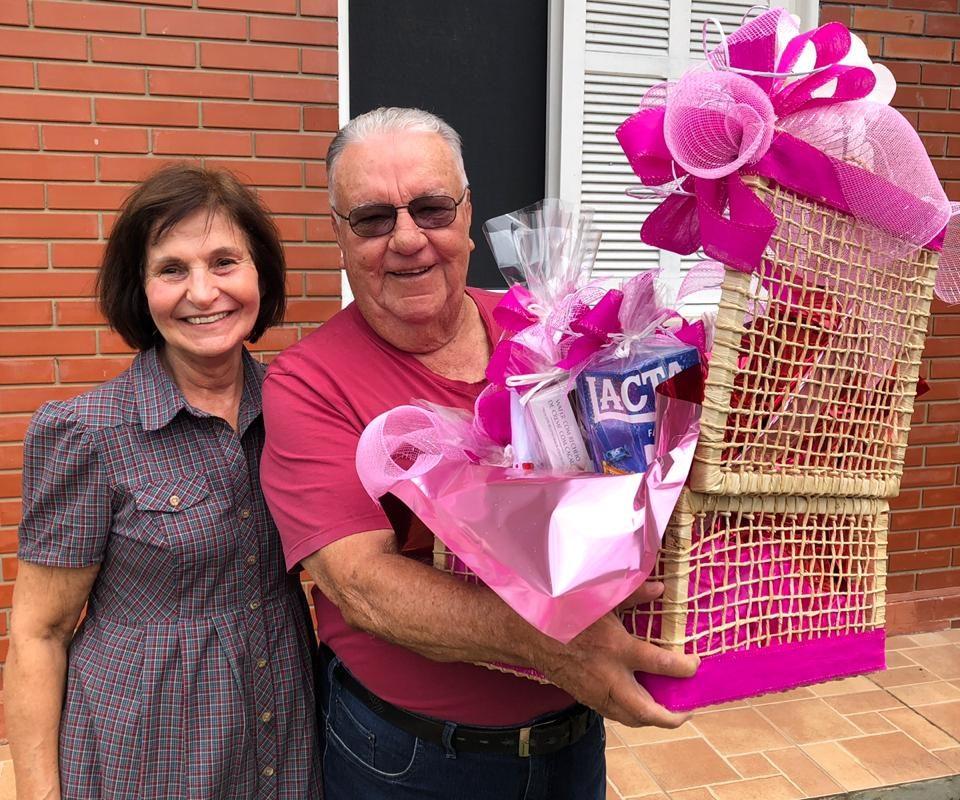 Postos Rizzotto entrega prêmios da promoção de Dia das Mães