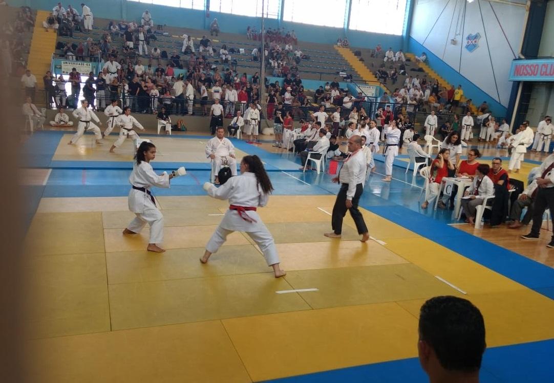 Atletas araranguaenses semifinalistas do brasileiro de Karatê