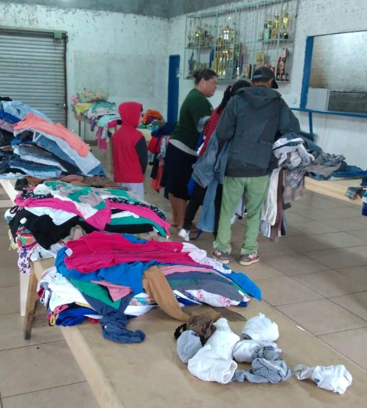 Varal solidário doa 1.341 peças de roupas