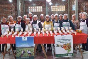 16 mulheres participaram de capacitação de compotas e conservas