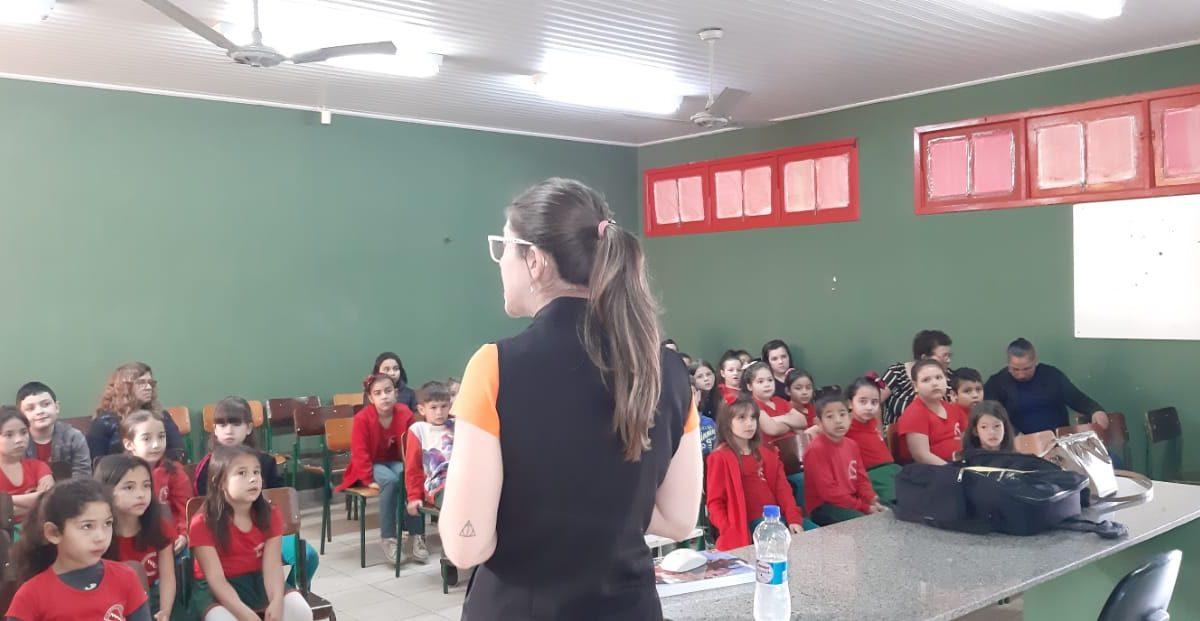 Escolas estaduais de SC recebem o Projeto Todos contra a obesidade
