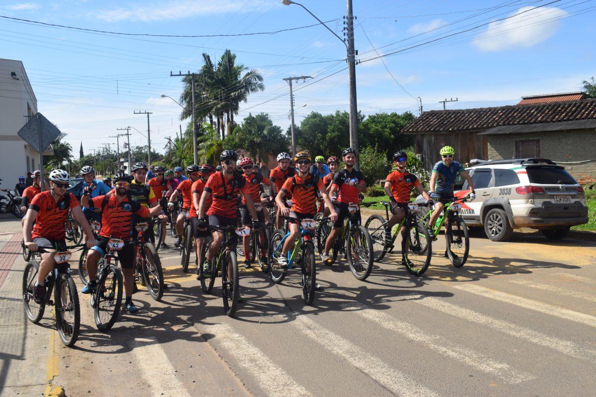 Jacinto Machado: 1º Mountain Bike reuniu mais de 50 participantes