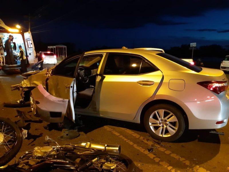 Três veículos colidem e deixam feridos. Assista ao vídeo: