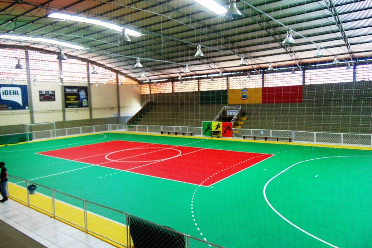 Prefeitura de Turvo entrega ginásio de esportes à população