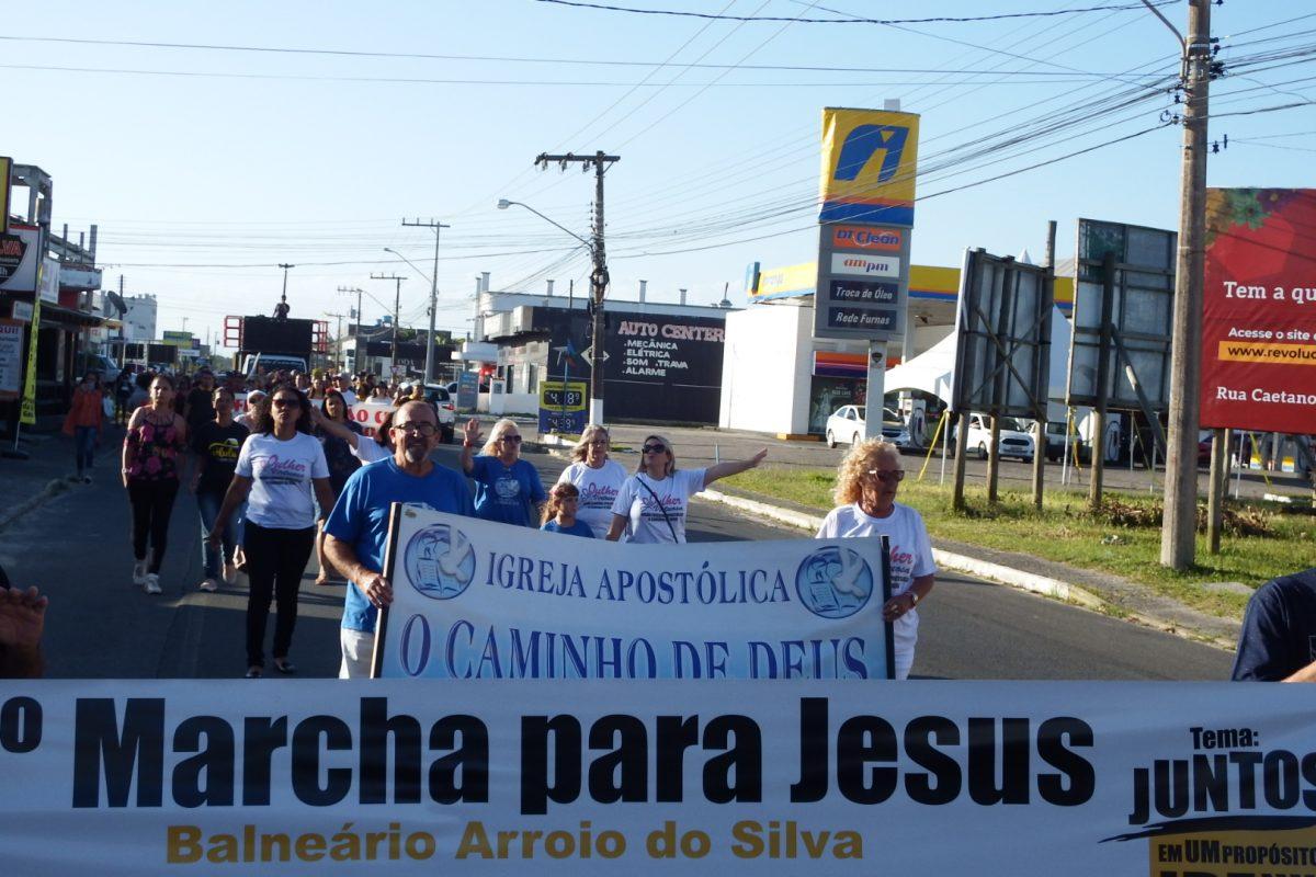 Cristãos realizam a 9ª Marcha Para Jesus em Balneário Arroio do Silva