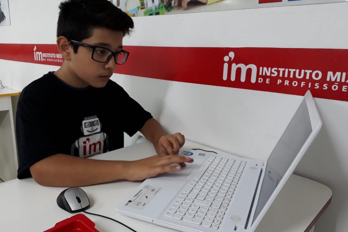 Tecnologia transforma a maneira de ensinar