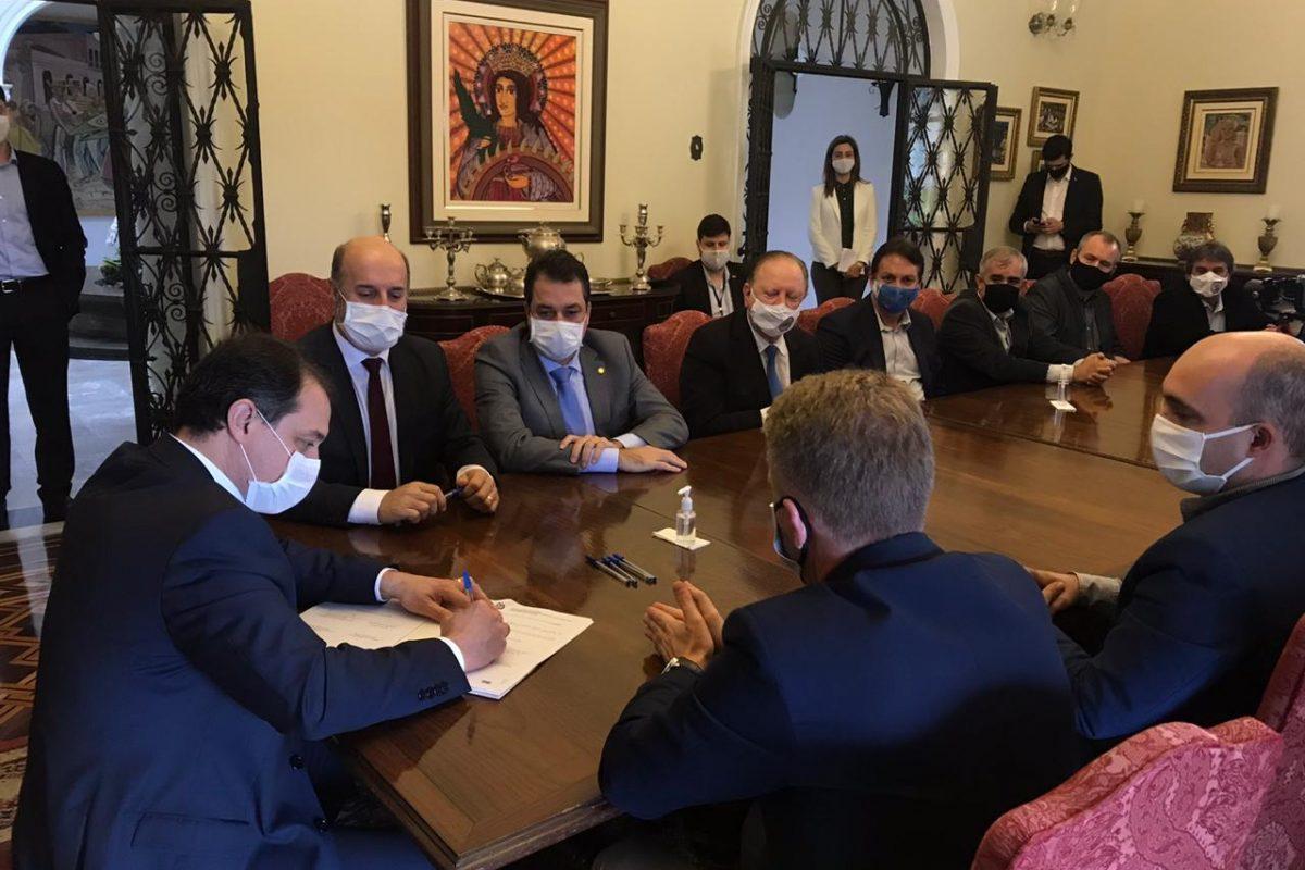 Governador assina convênio para construção da quarta ponte de Araranguá