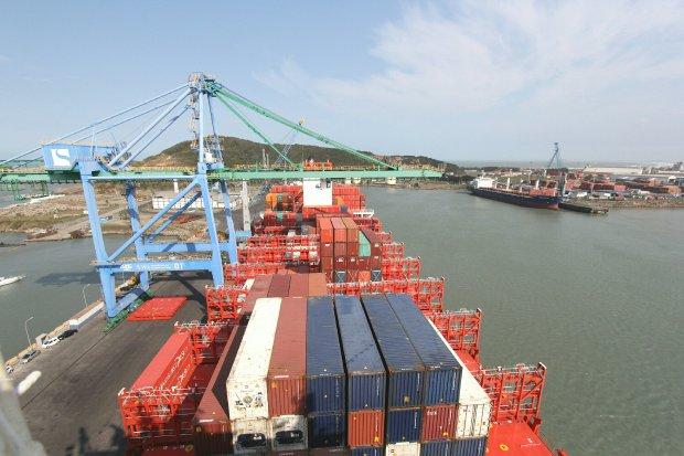Pesquisa busca destacar comércio exterior catarinense no cenário global