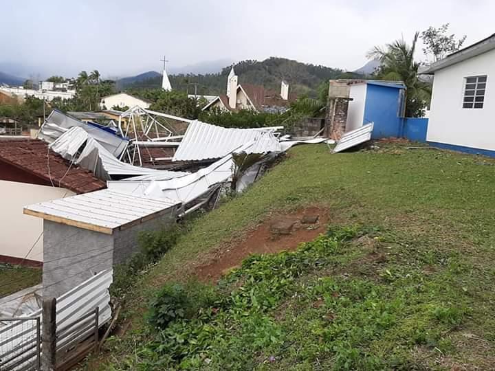 Diretoria de hospital busca parcerias para consertar estragos causados por ciclone