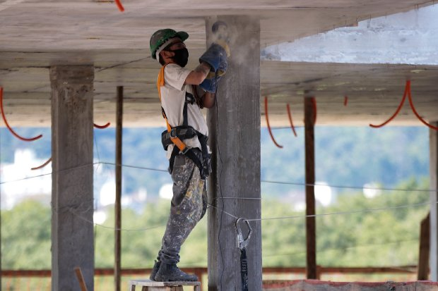Santa Catarina está com mais de 3 mil vagas de emprego abertas; Amesc tem 55 vagas