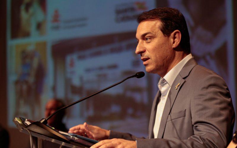 Governador Carlos Moisés é absolvido pelo Tribunal de Julgamento e volta ao governo de SC