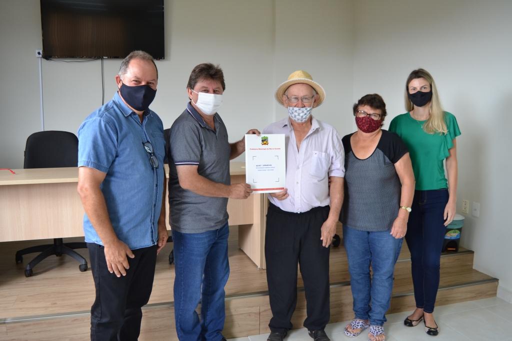 Onze escrituras são entregues por administração em Morro Grande