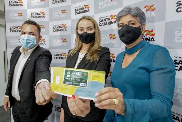 Governadora e secretário anunciam R$ 9,8 milhões para escolas